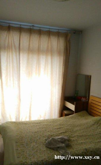 高平路锦绣花城精装2室1厅1卫另有18平储藏室老证可贷款