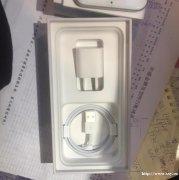 苹果 iPhone8 银色 64G 国行 我一冲动就买了苹果